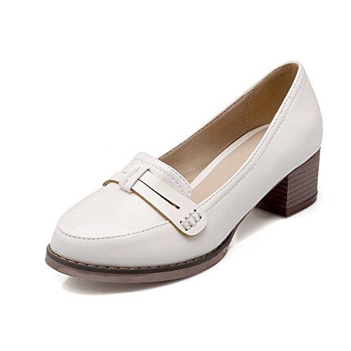 AllhqFashion Damen Rund Zehe Mittler Absatz Ziehen Auf Rein Pumps Schuhe Weiß