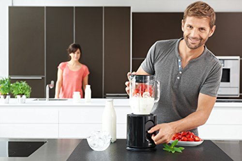 Braun JB5050 Black IdentityCollection 900-Watt Glass Jug Blender, 220 Volts (Not for USA – European Cord)