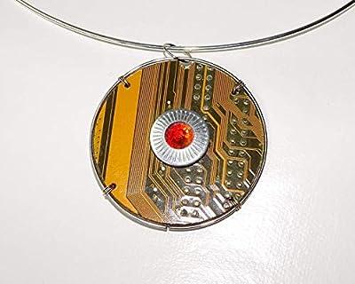 Speciimen - Bijou pour Femme en Circuit Imprimé Recyclé avec Cristal Swaroski - Pendentif Doré Rond et Réversible - Exemplaire Unique Fait Main