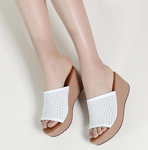 Frau Sommer Sandalen und Pantoffeln wilde hohle dicke Kruste Keil Sandalen flache Freizeitschuhe White