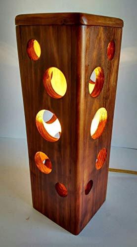 Lámpara de sobremesa ambiente cálido de madera reciclada de palet hecho a mano