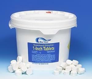 Blue Wave NC124 1'' Tablets 1/2 Unze. Tabs - Tri-Chlor 50 Lb. Pail