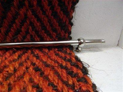 Läuferstangen/ Treppenstangen messing matt vernickelt mit Eichelentknopf, massiv 9mm Länge 75 cm