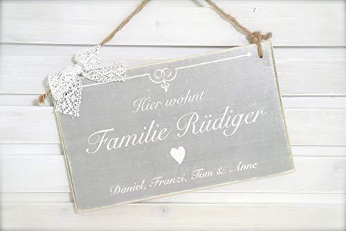Türschild aus Holz mit Familienname u. Vornamen