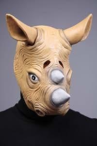 Adulte à enfiler le masque de rhinocéros, de latex