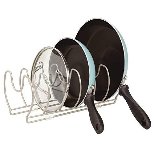 mDesign Soporte para sartenes, ollas y Tapas - Organizador de Tapas de ollas Compacto para el Armario de la Cocina - Colgador de sartenes de Metal para Ahorrar Espacio - Plateado Mate