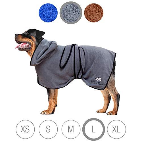 Bella & Balu Hundebademantel aus Mikrofaser + Pfotentuch - Saugfähiger Hunde Bademantel zum Trocknen nach dem Baden, Schwimmen oder Spaziergang im Regen (L | Grau)