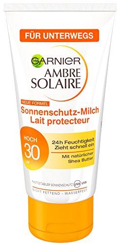 Garnier Ambre Solaire Sonnencreme Feuchtigkeitsspendende Sonnenschutz Milch LSF 30, 3er Pack (3 x 50 ml)