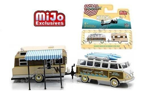 Greenlight Volkswagen VW Samba Bus und 1964 Winnebago 216 Travel Trailer Set 1:64 (Travel Toy Trailer)