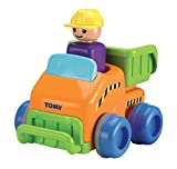 TOMY Babyspielzeug Flinker Laster Mehrfarbig - Hochwertiges Kleinkindspielzeug zum Schieben - vereint Spielzeugauto & Motorikspiel - ab 12 Monate