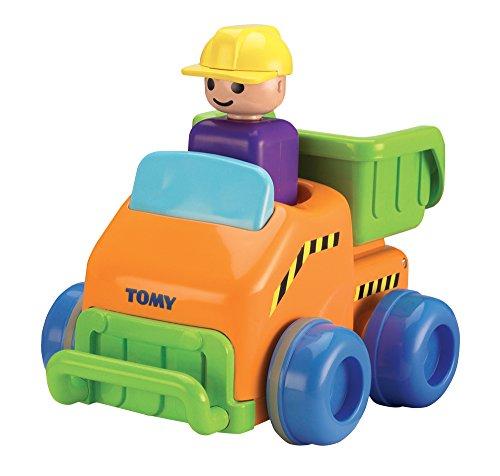 (Tomy Babyspielzeug Flinker Laster Mehrfarbig - Hochwertiges Kleinkindspielzeug zum Schieben - Vereint Spielzeugauto & Motorikspiel - ab 12 Monate)