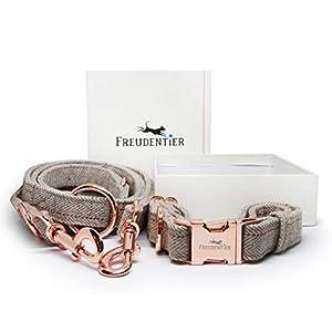 Die Freudentier Hundeleine kommt jetzt auch im praktischen Set inklusive Hundehalsband. Sowohl die Hundeleine für kleine und große Hunde sowie das Halsband aus hochwertigem Gewebe für kleine und große Hunde kommen in einem ausgesprochen eleganten Des...
