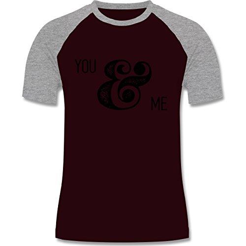 Valentinstag - You & Me Typo - zweifarbiges Baseballshirt für Männer Burgundrot/Grau meliert