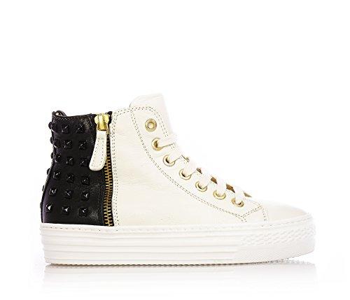 FLORENS - Sneaker color panna e nero stringata, in pelle con chiusura a zip laterale, tempestate di borchie nella parte nera posteriore, Bambina, Ragazza-32
