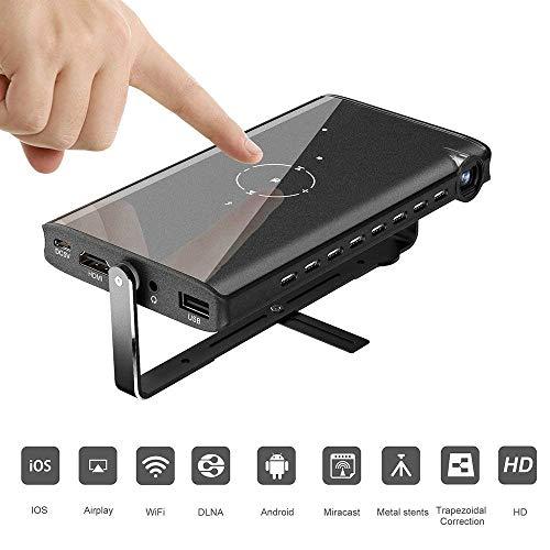 TOPQSC P2 Mini Projektor, Mini Beamer, 1080P HD Player, Trapezoide Korrektur, Mit Stativ, WiFi DLNA HDMI USB TF, Geeignet für iOS Android Mac OS Windows