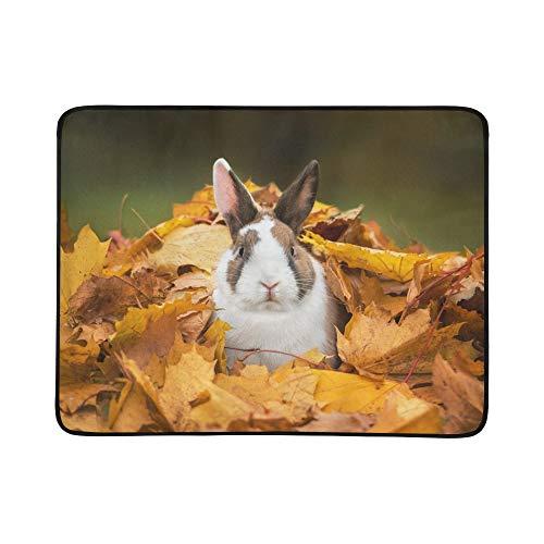 SHAOKAO Kleines lustiges Kaninchen, das im Blatt-Muster sitzt, tragbare und Faltbare Deckenmatte 60x78 Zoll handliche Matte für kampierenden Picknick-Strand (Ohren Bunny Fall)