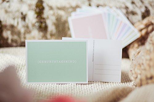 Geburtstagskind - liebevolle, schlichte Postkarte - Grußkarte - Geschenkkarte - Glückwunschkarte für Geburtstagskind - pastell grüne Karte zum Thema Liebe Zuneigung Freundschaft Familie Geburtstag