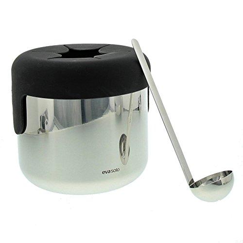 Eva Solo Eiswürfelbehälter mit Löffel, Füllvolumen: 1,3 Liter, Höhe: 14,8 cm, Verchromt/Schwarz, Edelstahl/Silikon, 822013