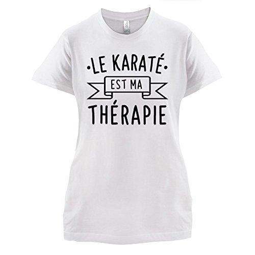 Le karaté est ma thérapie - Femme T-Shirt - 14 couleur Blanc