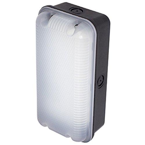 lakeside-energy-sleek-polycarbonate-4000k-led-bulkhead-lighting-c-w-photocell