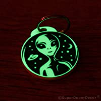 SuperDuperDecor ALIEN KEYRING -GLOW IN THE DARK- key fob party bag fillers gift no chain area 51 ufo ALIEN STARGAZING