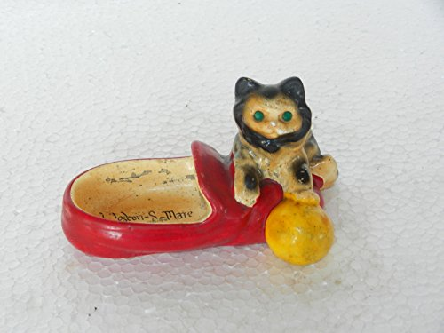 Vintage ' Weston - S - Mare ' Cat Playing Ball On Shoe Figurine Ceramic Ash Tray -