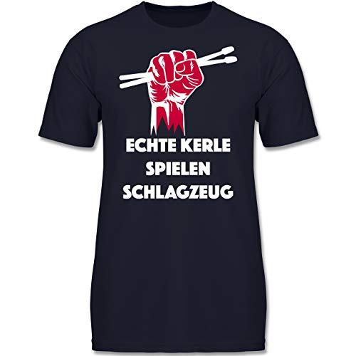 Sprüche Kind - Echte Kerle Spielen Schlagzeug - 140 (9-11 Jahre) - Dunkelblau - F130K - Jungen Kinder T-Shirt