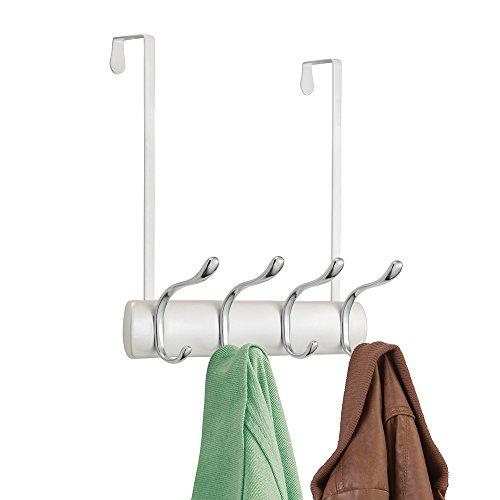 mDesign Türgarderobe Perlmuttweiß – Hakenleiste mit 4 Kleiderhaken – für Flur, Schlafzimmer und Badezimmer Büro – werkzeugfreie Anbringung