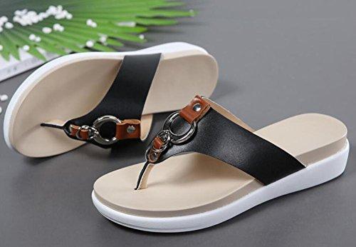 I caratteri nuovi estate 2017 trascinano il fondo della scarpa da spiaggia con i sandali sandwich 2