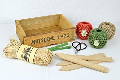 Geschenkbox aus Holz von Nutscene mit Schere & 3x Juteband & Raffia-Bast & Pflanzschilder & Bindedrähte