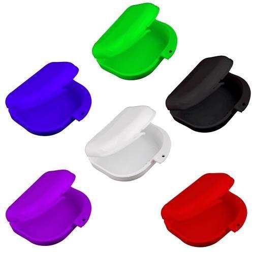 Color: seleccionado al azar (rojo, blanco, azul, púrpura, negro o verde)Tamaño: aproximadamente 7.8 X 8 X 2.8 cm / 3.1 X 3.15 X 1.1 pulgadas, con orificios de ventilaciónMaterial: PlásticoCantidad: 2 piezasPaquete incluido:Bandeja Retenedor Ortodonci...