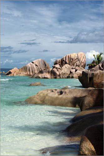 Poster 61 x 91 cm: Tropischer Strand auf den Seychellen von Catharina Lux/Mauritius Images -...