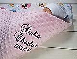 Babydecke mit Namen und Datum bestickt  MINKY  Baumwolle  Füllung  (Hellrosa - Katzen)