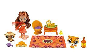 Littlest Pet Shop - 37125 - Poupée et Mini-Poupée - Blythe et Ses 2 Petshop - Inde : Singe et Tigre