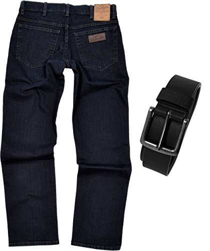 Wrangler TEXAS STRETCH Herren Jeans Regular Fit inkl. Gürtel (W34/L32, Blue Black) (Stretch-straight Jean Fit)