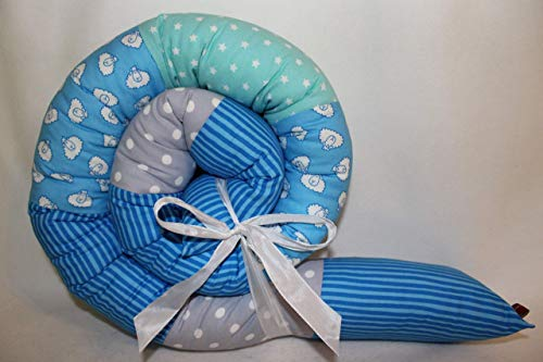 Bettrolle 160 cm Schäfchen blau Einzelstück JUNIA-SHOP.de Nestchen Puckschnecke Bettschlange Bettschnecke Patchwork Lagerungsrolle Baby Geschenk Taufe Geburt Bettwurm Bettumrandung Puckschnecke