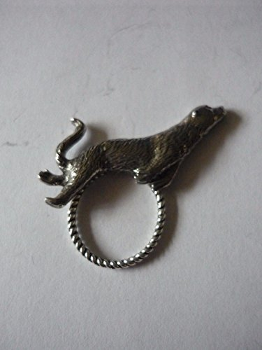 Otter W16Emblem aus feinem englischen Zinn Brosche Drop Hoop Halterung für Gläser, Stift, ID Schmuck geschrieben von uns Geschenke für alle 2016von Derbyshire UK...
