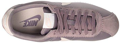 Nike Classic Cortez, Scarpe da Ginnastica Donna Bianco (Taupe Grey/Silt Red/White)