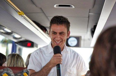 Jochen Schweizer Geschenkgutschein: Comedy Sightseeing-Bustour für 2