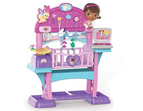 inderspielzeug, Babybett mit medizinischer Untersuchungsstation ()