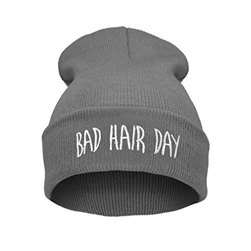 ELEGANCE PARISIENNE Bad Hair Day Beanie Mütze (Grau Mit Weißem Logo) Haube Wintermütze Strickmütze Einstickung Gray Cool Modisch (Gestickte Haube)