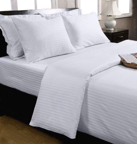 Homescapes Taie d'oreiller de 80 x 80 cm de couleur Blanc 100 % Coton Egyptien 130 fils/cm² 330 TC avec Fermeture Eclair
