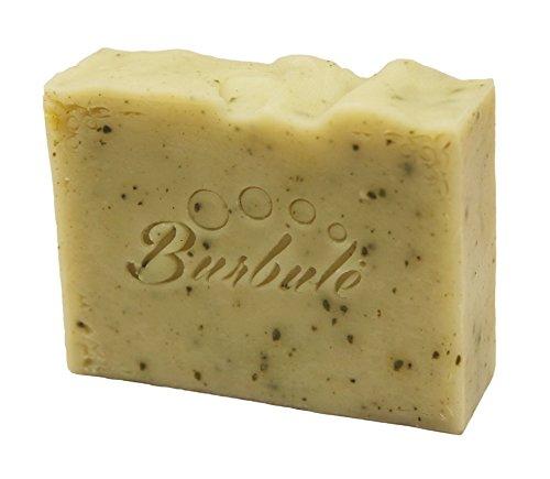 le-savon-organique-aromatique-de-haute-qualite-fait-main-lavender-fabrique-a-partir-de-lhuile-vegeta