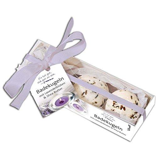 Badekugeln mit Lavendelblüten