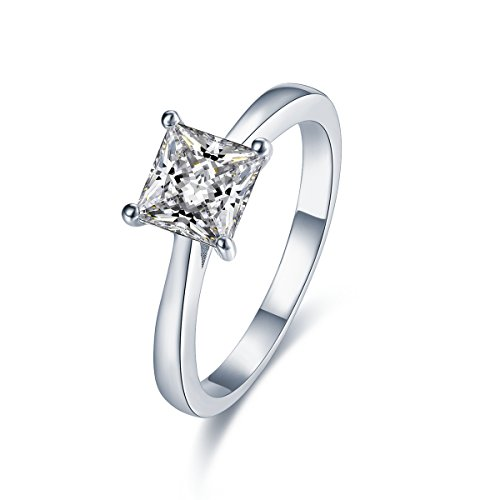 Stunning Sterling Silver Solitaire Engagement Ring With Diamond Look Cubic Zirconia (6mm diameter). Available in all sizes between G and Z+3 (N)
