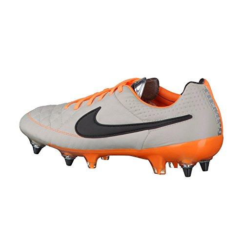 Nike  Tiempo Legend V FG, Chaussures de Football Compétition homme Beige