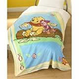 Official Kids Disney Winnie the Pooh Printed Fleece Blanket (130x180 cms)