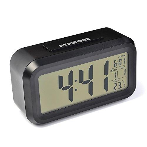 ATPWONZ Smart LED-Digital-Wecker Reisewecker Snooze 5 Minuten, großem LED Display Lichtsensor bald aufhören Alarmknöpfe, mit Datum, Temperatur-Sensor-Licht (Schwarz) (- Sensor-licht-alarm)