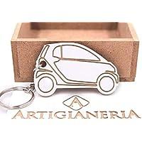 ArtigianeriA - Portachiavi in legno per auto modello CITY CAR. Realizzato a mano in Italia. Idea regalo per neo patentati o per i proprietari di un'auto nuova.