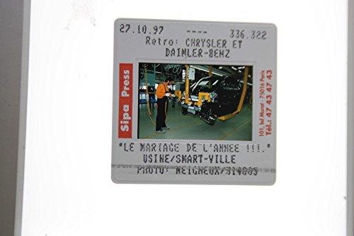 slides-photo-of-daimler-worker